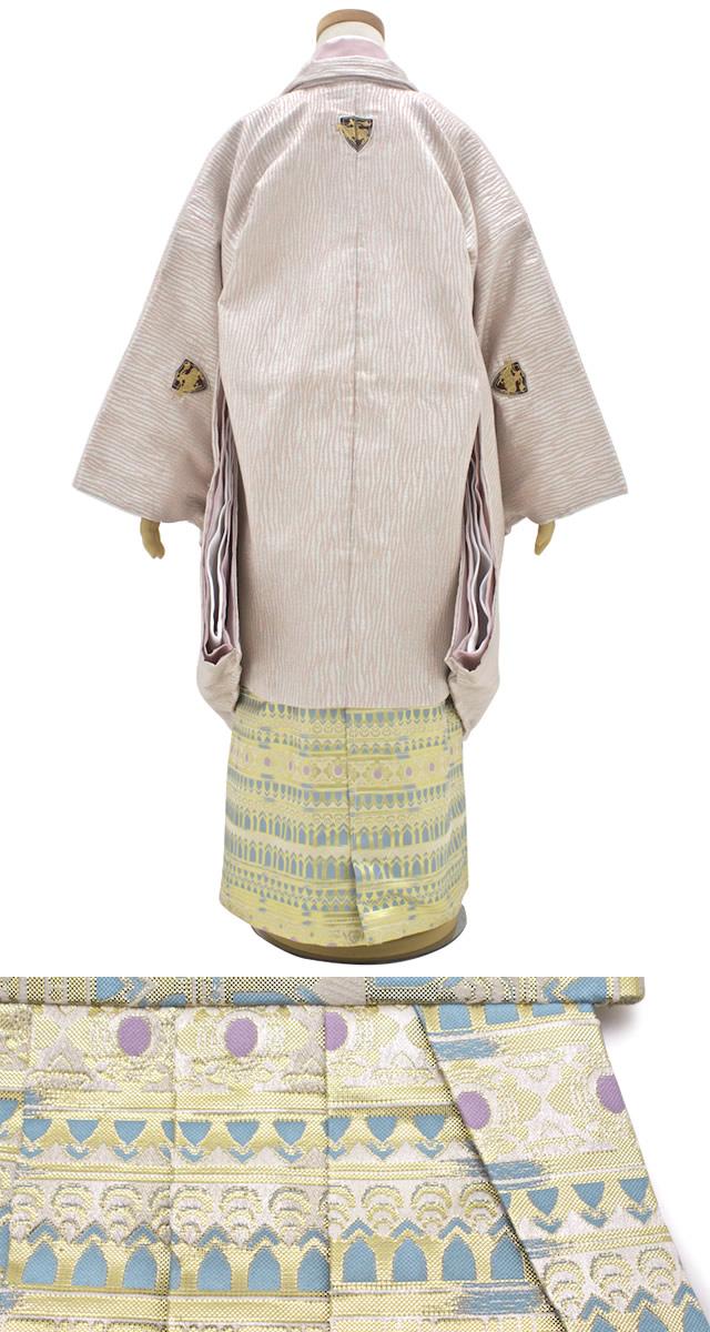 モダンな柄が入った5歳男児のキッズ用和服セット
