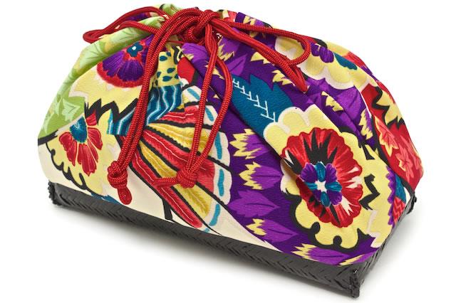 尺籠のような面白いデザインのかご巾着バッグ
