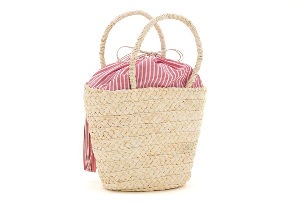 お祭りや花火大会に持つバッグ