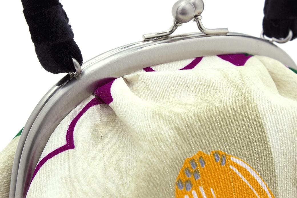 上品で優雅な着物を演出する和装バッグ