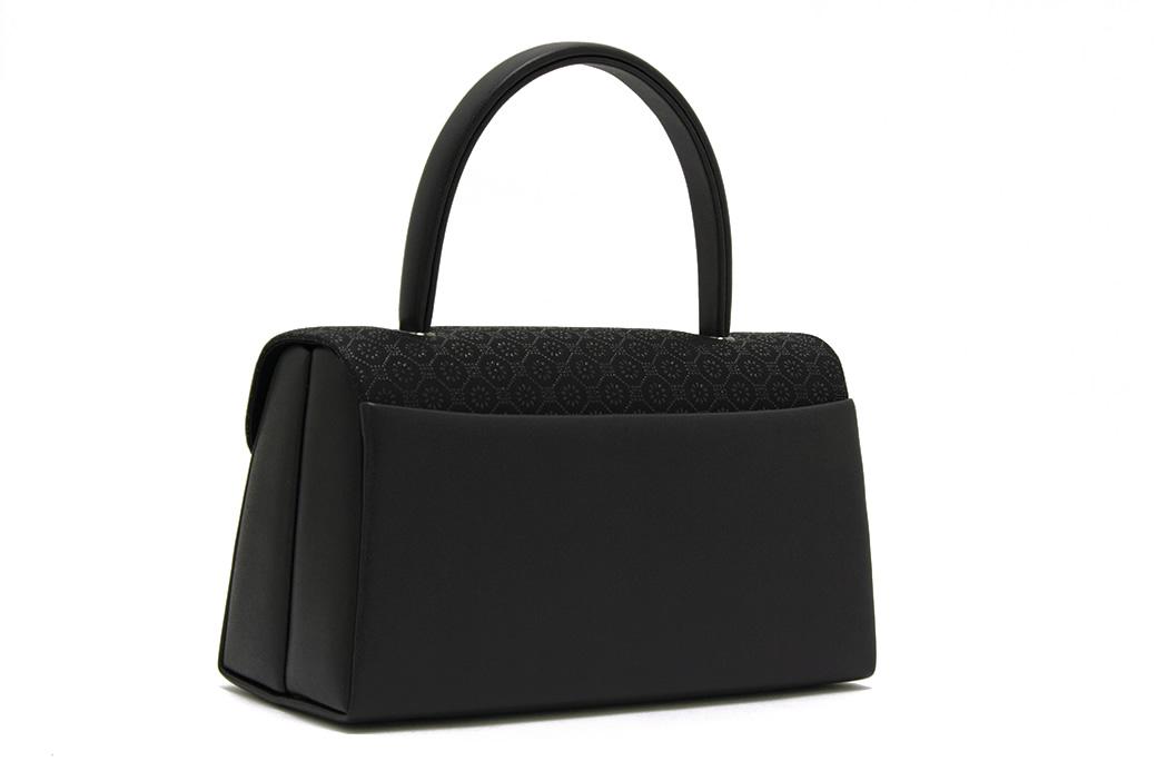 ブラックフォーマル向けバッグ