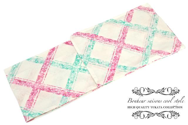 ボヌールセゾンのレディース浴衣(モデル:Lilaちゃん)