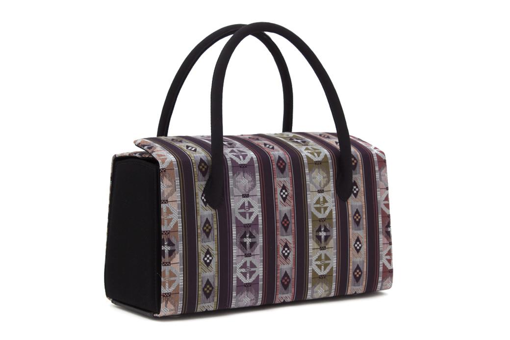 和服のコーディネートに不可欠な草履バッグセット
