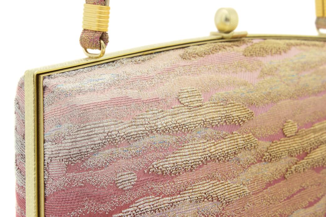 上品で優雅な和装を演出する草履バッグセット