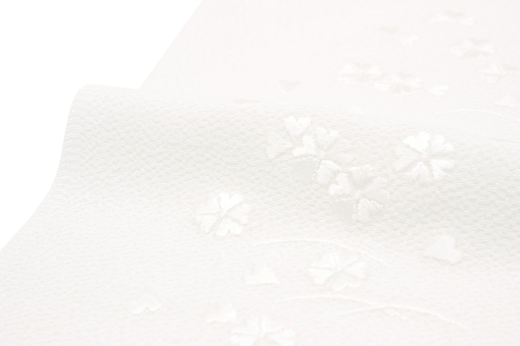 フォーマルやカジュアルな着物におすすめな女性半衿