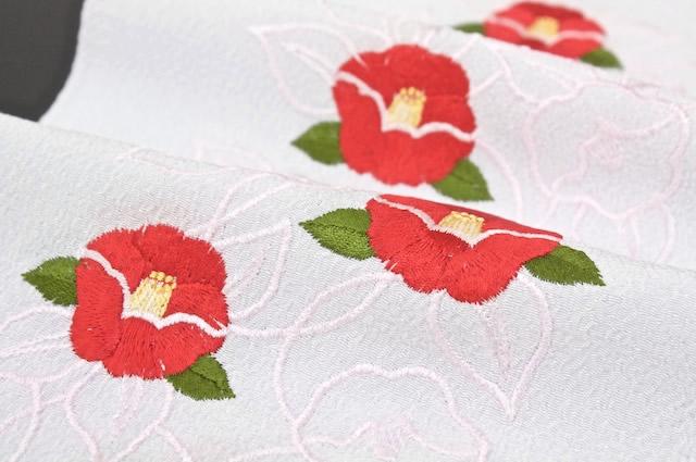 テイジンの新素材「ラミエール」使用の椿刺繍半衿b