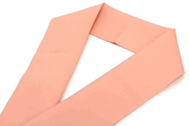 簡単・綺麗に襟元を演出する東レのバイアス半衿