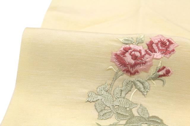 さらりとした絹麻素材の半襟