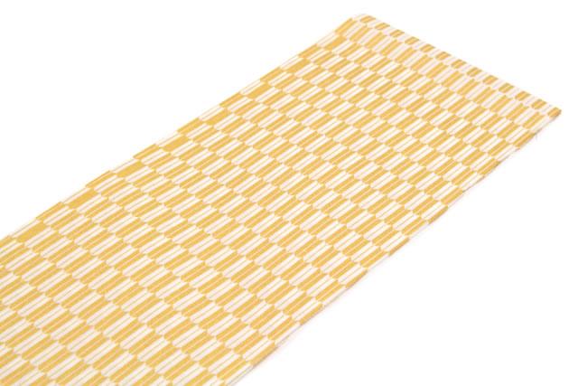 正絹素材のしなやかな半衿