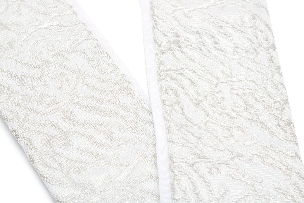 和服をオシャレに飾る重ね衿(伊達衿)