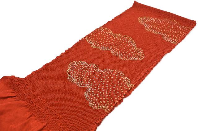 晴れの日の着物を彩る正絹の帯揚げ