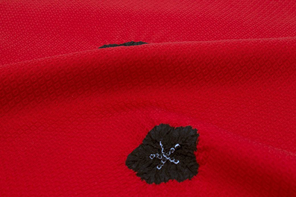 成人式の振袖や訪問着を華やかに彩る正絹の帯揚げ