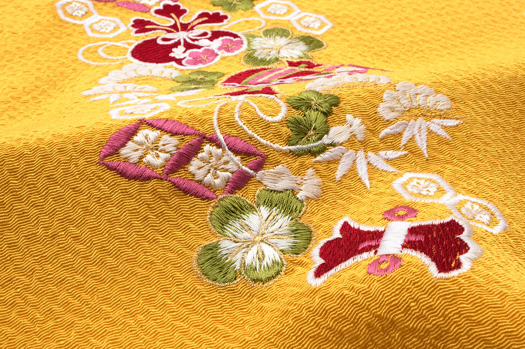 付け下げや色無地におすすめな正絹の帯揚げ