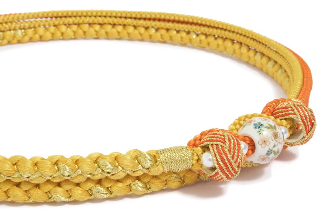 成人式の振袖を彩る日本製の正絹帯締め