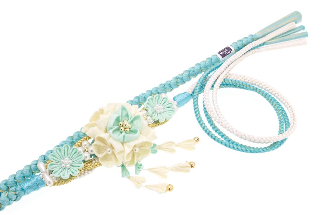 日本製の飾り付き正絹帯締め