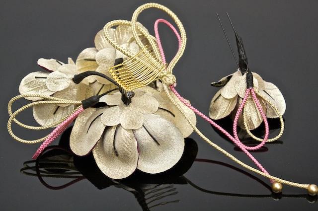 成人式の振袖や卒業式の袴に,髪飾り