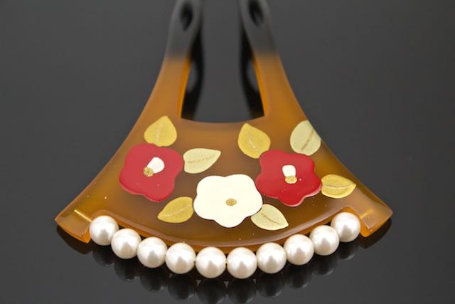 成人式・卒業式・結婚式・パーティー用のバチ型簪(かんざし)