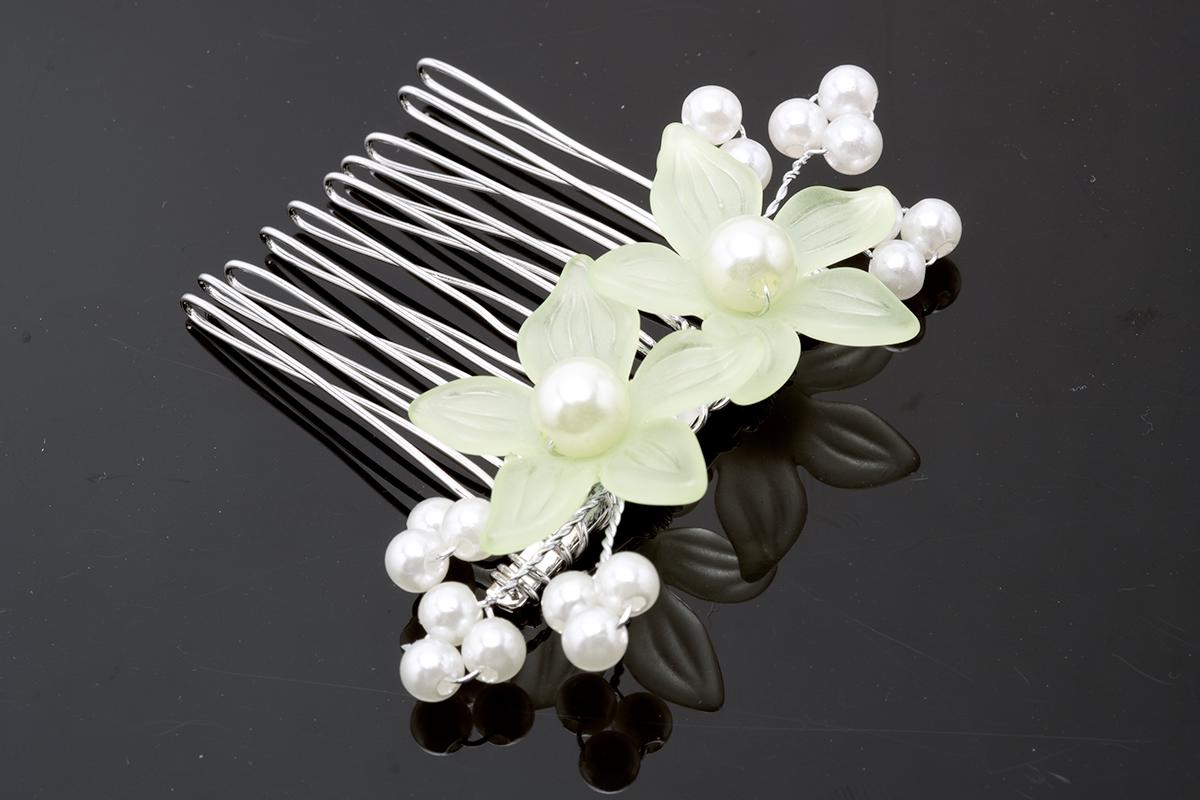 夏祭りや花火大会の浴衣にピッタリな花の髪飾り