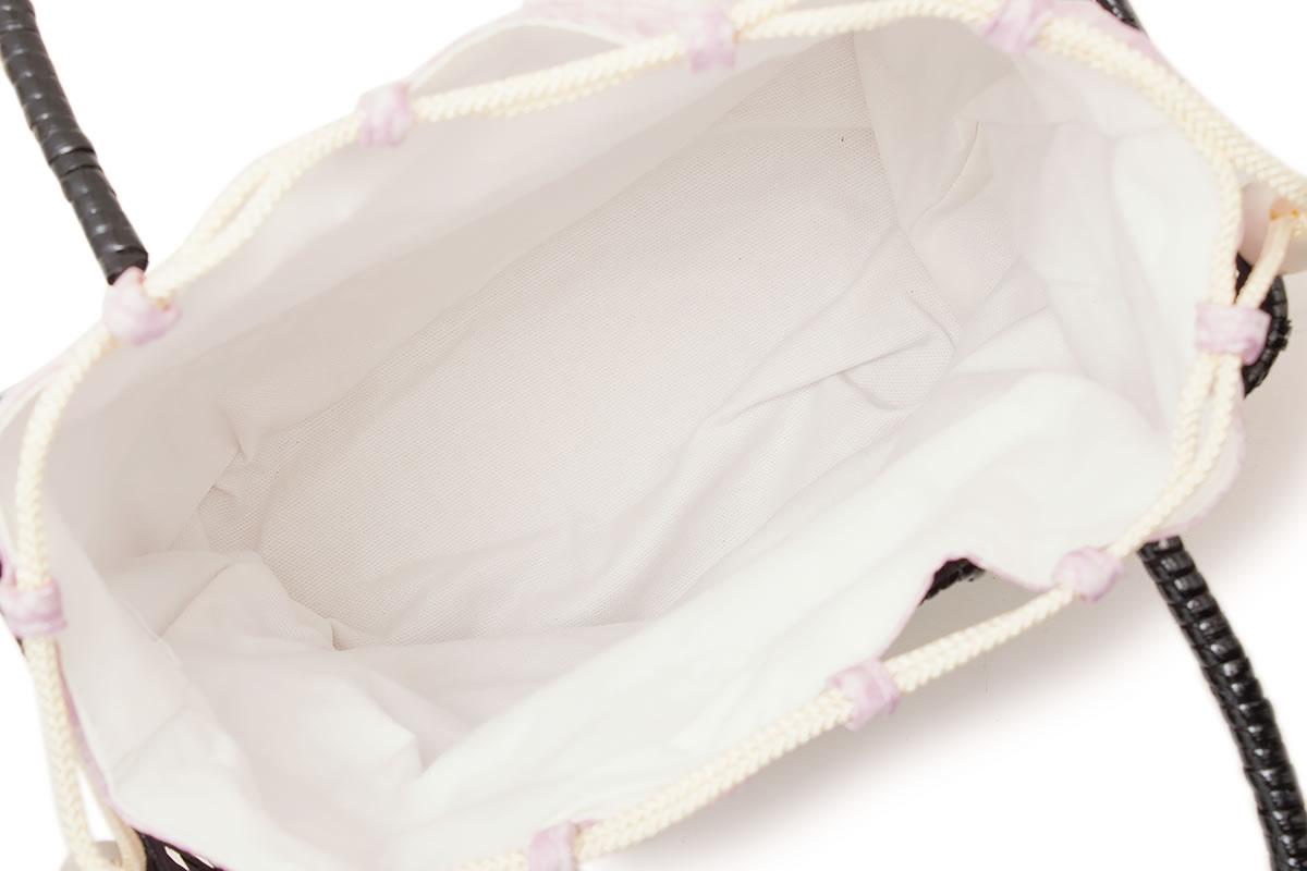 着脱可能な巾着つきの籠バッグ