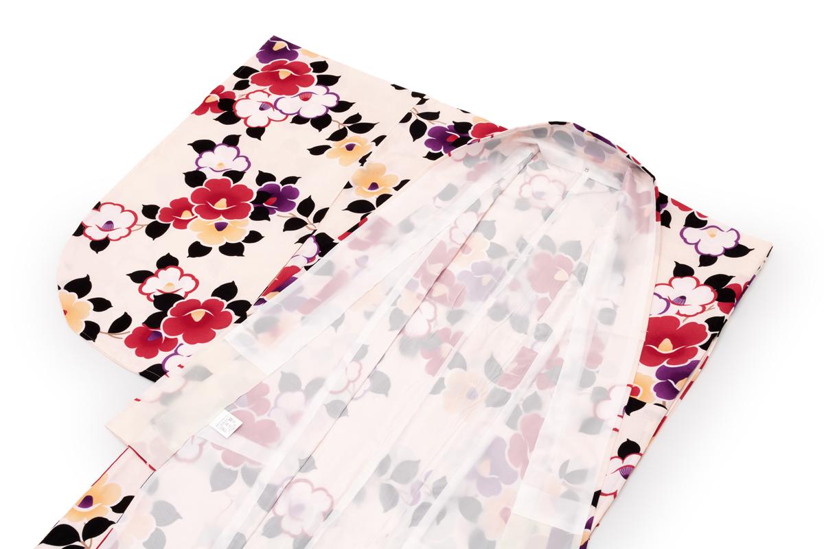 袴姿を華やかに彩る二尺袖着物