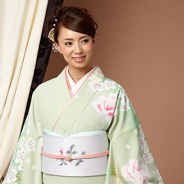 結婚式などフォーマルな着物・訪問着に似合う花柄の正絹袋帯