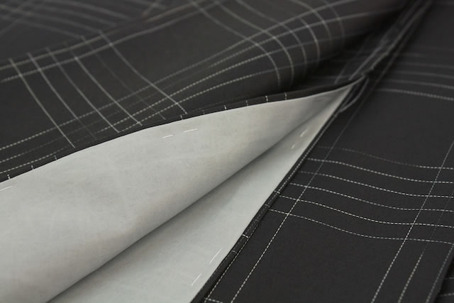 黒のプレタ袷着物