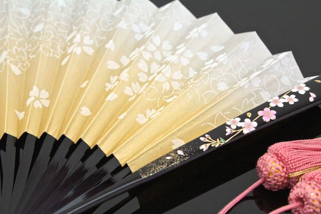 美しい日本製の女性用祝儀扇子