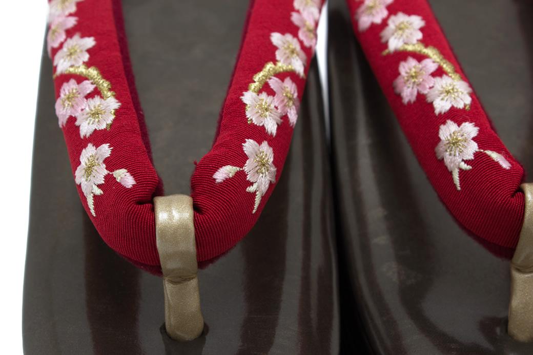 卒業式の袴におすすめな厚底草履