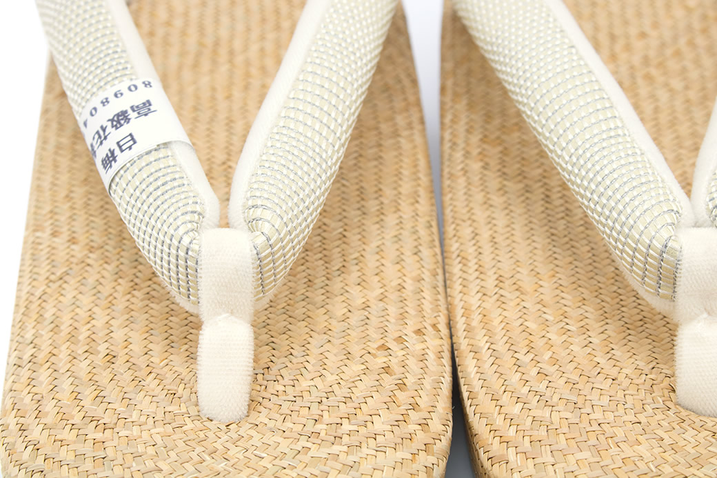 天然素材を使用したパナマ草履