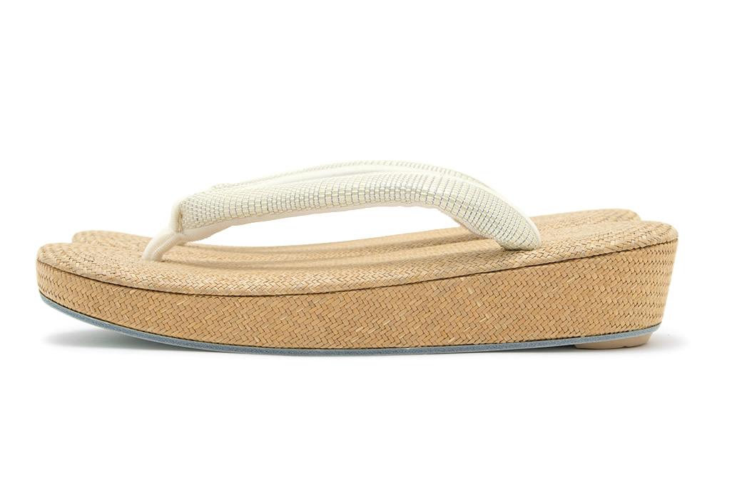 繊細な編みが美しいパナマ草履