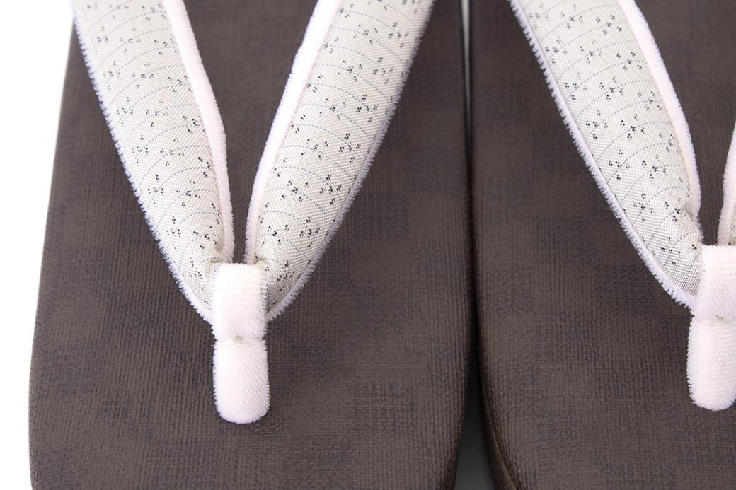 カジュアルな着物にオススメなレディース草履