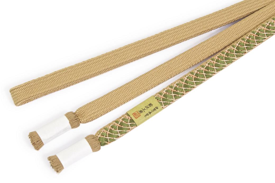 フォーマルな着物を彩る日本製の正絹帯締め